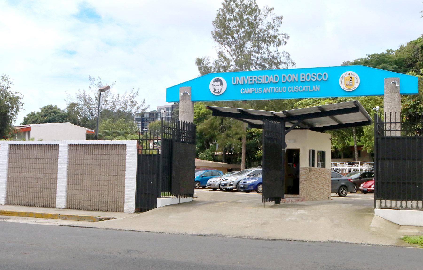 Fachada Campus Antiguo Ingreso