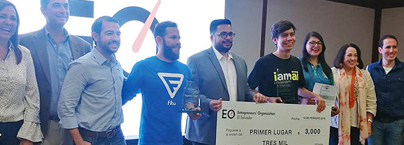 Julio Abrego y Gabriela Torres obtienen primer y tercer lugar en el Premio Estudiante Emprendedor El Salvador