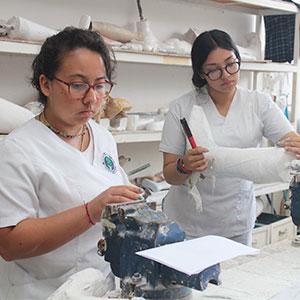 Estudiantes de ortesis y prótesis de Colombia realizan intercambio en la UDB
