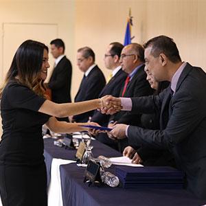 UDB gradúa a 485 nuevos profesionales