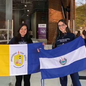 Fátima Oviedo y Sofía Avilés alumnas UDB representaron a El Salvador en el Innovation Academy for Women of the Americas