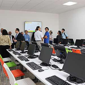Salas de laboratorio de informática son remodeladas para una mejor experiencia de aprendizaje