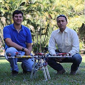 Emprendedores UDB desarrollan vehículos aéreos no tripulados en El Salvador