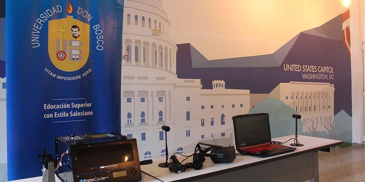 Embajada de los Estados Unidos dona a la UDB equipo tecnológico para el impulso de proyectos formativos