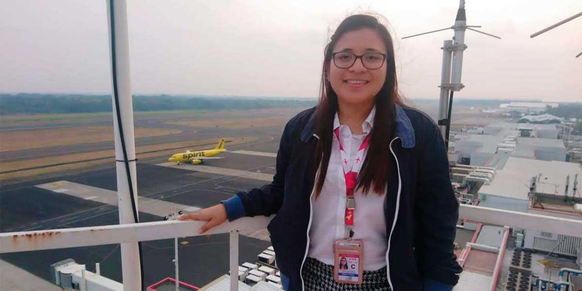 """Priscila Monroy, graduada de Ing. en Aeronáutica: """"Para muchos el cielo es el límite, para nosotros es solo el comienzo"""""""