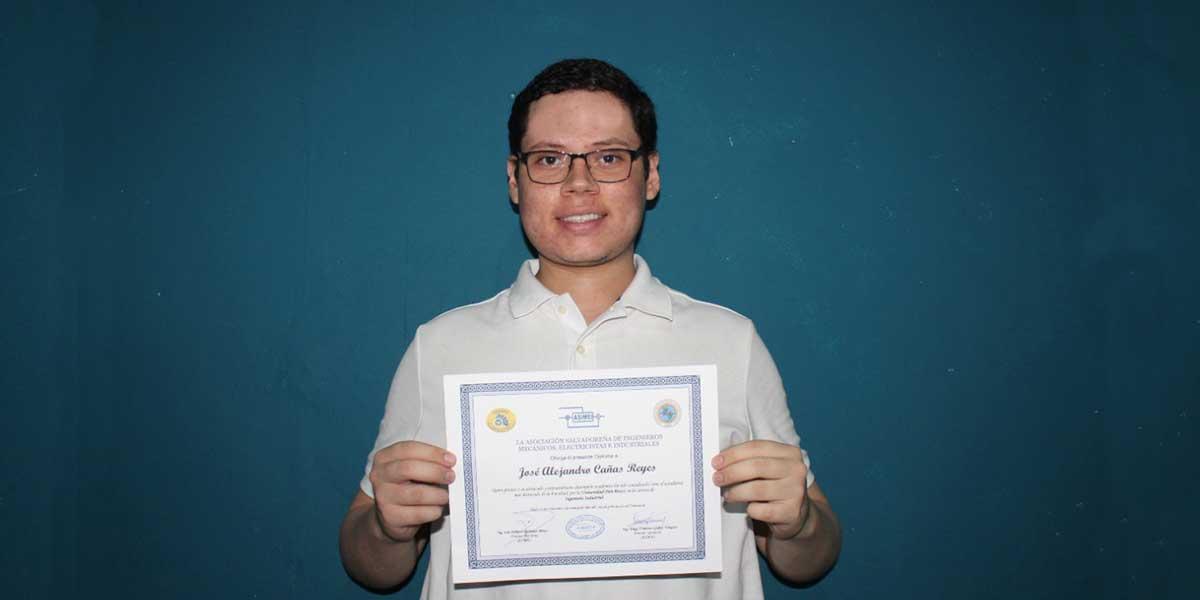 Estudiante de Ingeniería Industrial de la UDB obtiene premio ASIMEI 2021