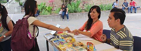 Universitarios comprometidos con la labor social