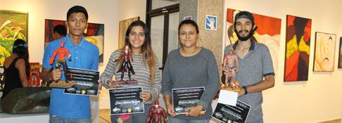 Pinacoteca de Arte UDB expone figuras de personajes de acción